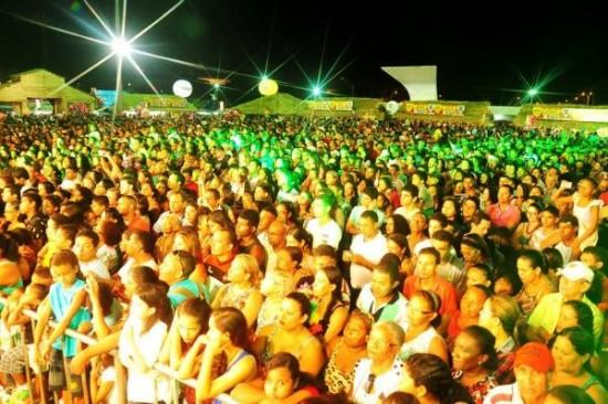 PM estima em mais de 115 mil  público que acompanhou os festejos na Praça Maria Aragão