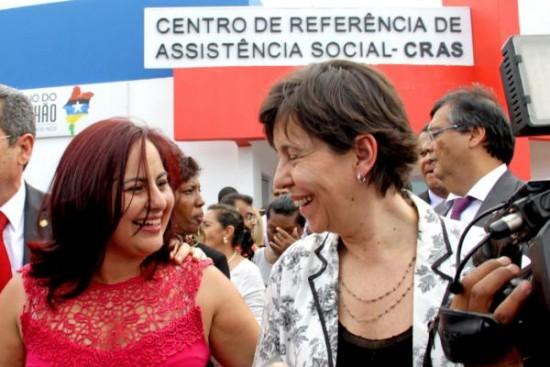 Ministra Tereza Campeloreconheceu os avanços na área social do município
