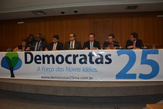 O presidente da Assembleia, Humberto Coutinho participou da solenidade de filiação