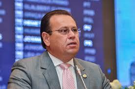 Novo presidente do DEM, Stênio Resende se aproxima de Edivaldo