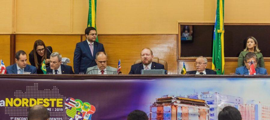 Resultado de imagem para Parla Nordeste repudia declarações de Eduardo Bolsonaro ao cogitar retorno do AI-5